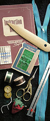 100px-Sewing_tools